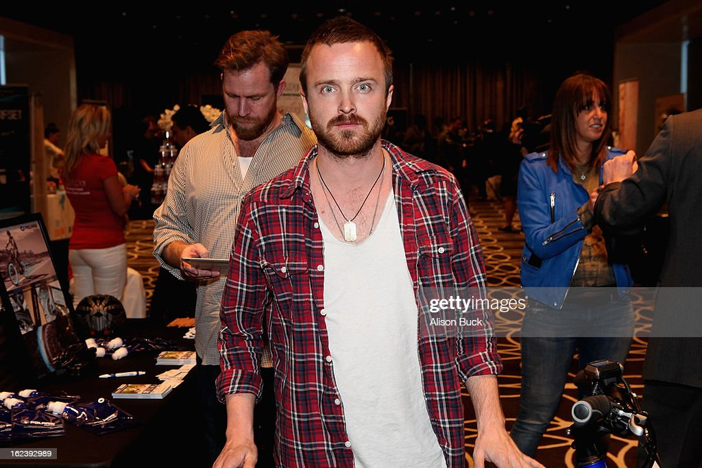 Actor <a gi-track='captionPersonalityLinkClicked' href=/galleries/search?phrase=Aaron+Paul+-+Actor&family=editorial&specificpeople=693211 ng-click='$event.stopPropagation()'>Aaron Paul</a> attends Kari Feinstein's Pre-Academy Awards Style Lounge at W Hollywood on February 22, 2013 in Hollywood, California.