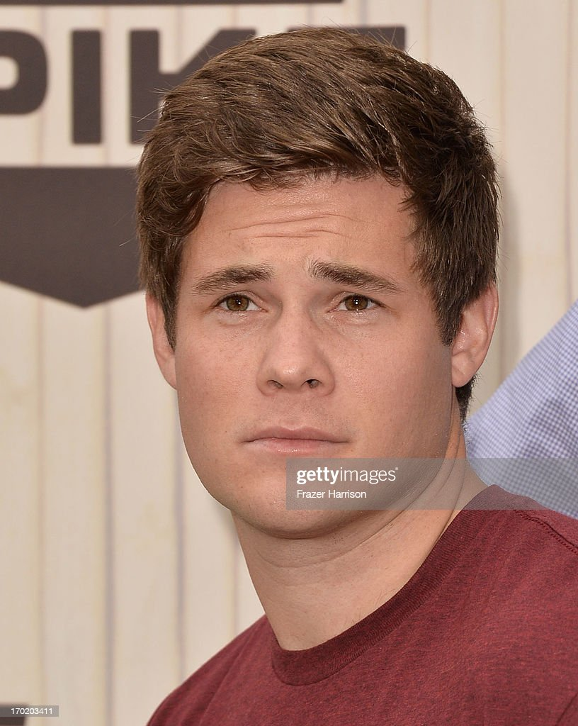 Actor Adam DeVine attends Spike TV's Guys Choice 2013 at Sony Pictures Studios on June 8, 2013 in Culver City, California.