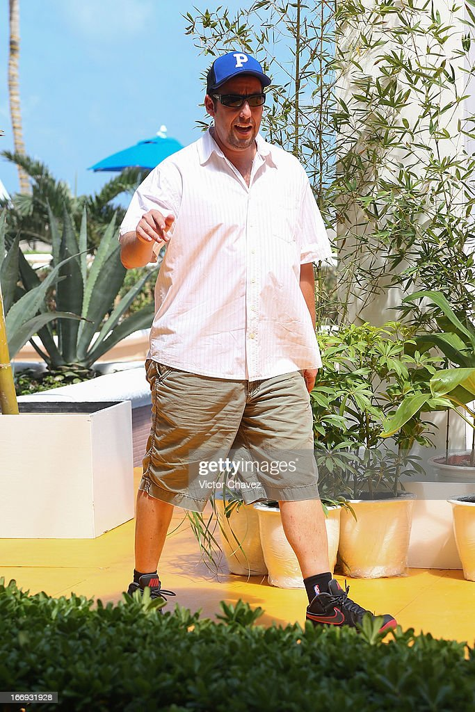 Actor <a gi-track='captionPersonalityLinkClicked' href=/galleries/search?phrase=Adam+Sandler&family=editorial&specificpeople=202205 ng-click='$event.stopPropagation()'>Adam Sandler</a> attends the 'Grown Ups 2' photocall during The 5th Annual Summer Of Sony on April 18, 2013 in Cancun, Mexico.