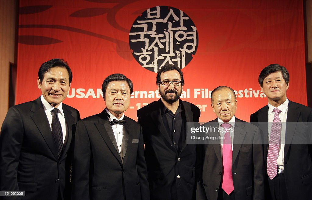 Actor Ahn Sung-Ki, Busan City mayor Hur Nam-Shik, Honorary BIFF director, <a gi-track='captionPersonalityLinkClicked' href=/galleries/search?phrase=Kim+Dong-Ho&family=editorial&specificpeople=961641 ng-click='$event.stopPropagation()'>Kim Dong-Ho</a> and festival director Lee Yong-Kwan attend a closing party during the 17th Busan International Film Festival (BIFF) at Grand Hotel on October 13, 2012 in Busan, South Korea. The biggest film festival in Asia showcases 304 films from 75 countries and runs from October 4-13.