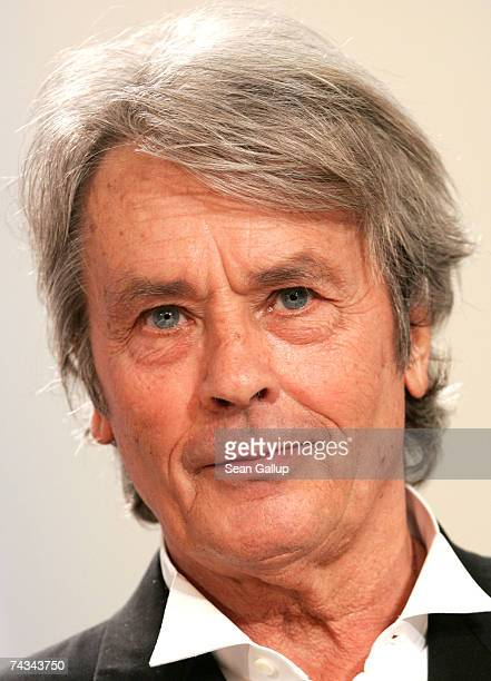 Actor Alain Delon attends the 60th International Cannes Film Festival Palme d'Or Award Ceremony at the Palais des Festivals on May 27 2007 in Cannes...