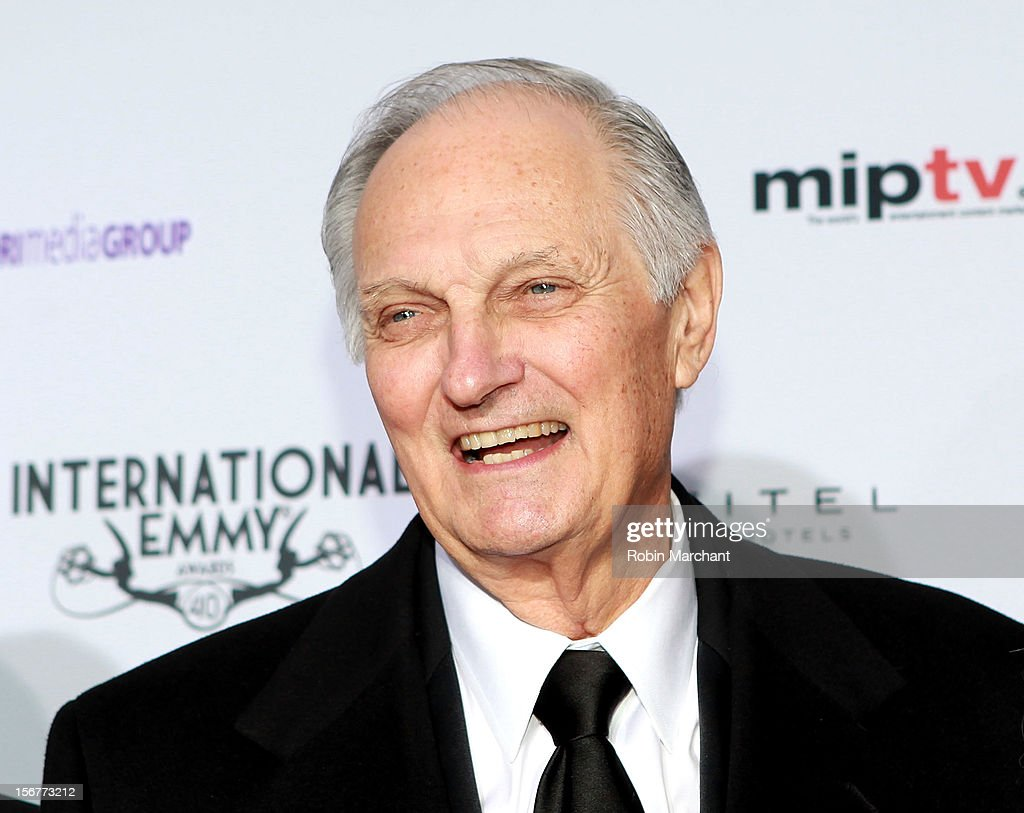 Actor <a gi-track='captionPersonalityLinkClicked' href=/galleries/search?phrase=Alan+Alda&family=editorial&specificpeople=206416 ng-click='$event.stopPropagation()'>Alan Alda</a> attends the 40th International Emmy Awards on November 19, 2012 in New York City.