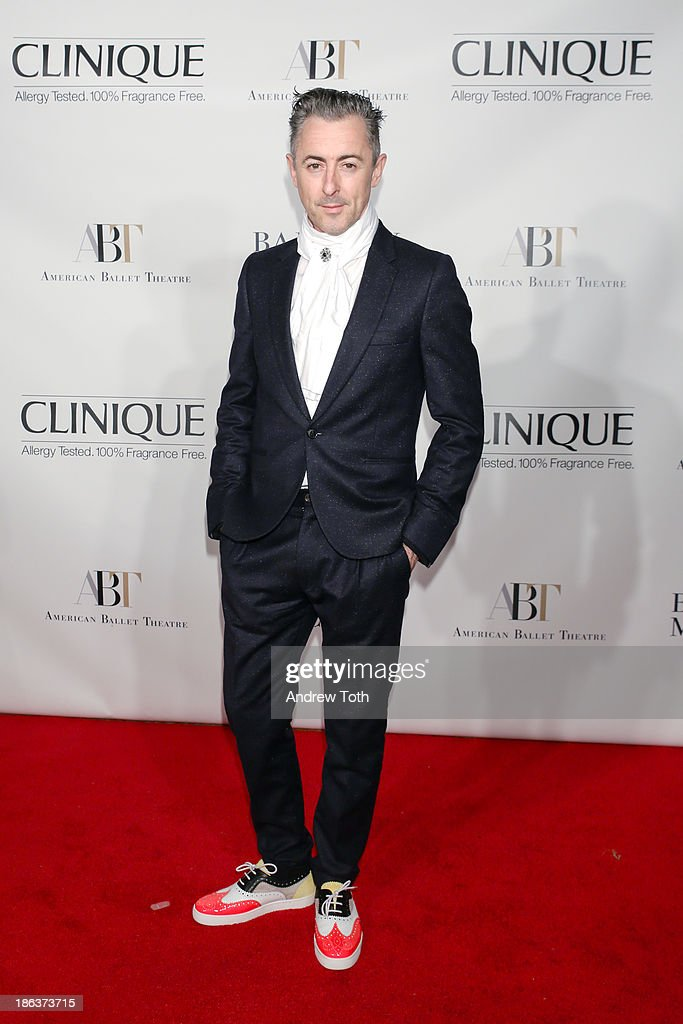 Actor <a gi-track='captionPersonalityLinkClicked' href=/galleries/search?phrase=Alan+Cumming&family=editorial&specificpeople=202521 ng-click='$event.stopPropagation()'>Alan Cumming</a> attends the American Ballet Theatre 2013 Opening Night Fall gala at David Koch Theatre at Lincoln Center on October 30, 2013 in New York City.