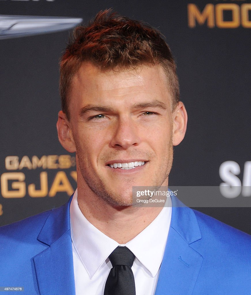 Actor Alan Ritchson arrives at the premiere of Lionsgate's 'The Hunger Games Mockingjay Part 2' at Microsoft Theater on November 16 2015 in Los...