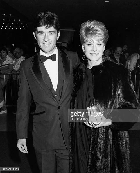 Actor Alan Thicke and wife Gloria Loring attending the premiere of 'The Man Who Loved Women' on December 14 1983 at the Academy Theater in Beverly...