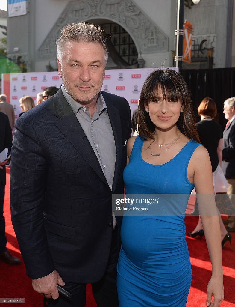 Actor <a gi-track='captionPersonalityLinkClicked' href=/galleries/search?phrase=Alec+Baldwin&family=editorial&specificpeople=202864 ng-click='$event.stopPropagation()'>Alec Baldwin</a> (L) and <a gi-track='captionPersonalityLinkClicked' href=/galleries/search?phrase=Hilaria+Thomas&family=editorial&specificpeople=7856471 ng-click='$event.stopPropagation()'>Hilaria Thomas</a> attend 'All The President's Premiere' during the TCM Classic Film Festival 2016 Opening Night on April 28, 2016 in Los Angeles, California. 25826_005