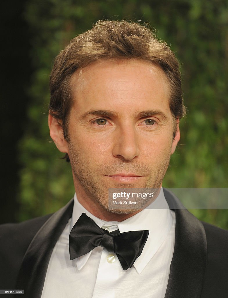 Actor Alessandro Nivola arrives at the 2013 Vanity Fair Oscar Party at Sunset Tower on February 24, 2013 in West Hollywood, California.