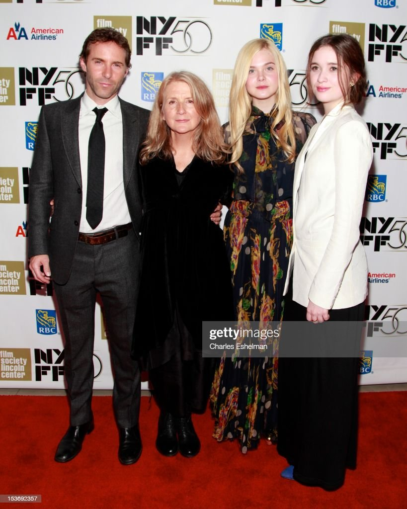 Actor <a gi-track='captionPersonalityLinkClicked' href=/galleries/search?phrase=Alessandro+Nivola&family=editorial&specificpeople=240468 ng-click='$event.stopPropagation()'>Alessandro Nivola</a>, director <a gi-track='captionPersonalityLinkClicked' href=/galleries/search?phrase=Sally+Potter&family=editorial&specificpeople=212743 ng-click='$event.stopPropagation()'>Sally Potter</a>, actresses <a gi-track='captionPersonalityLinkClicked' href=/galleries/search?phrase=Elle+Fanning&family=editorial&specificpeople=2189940 ng-click='$event.stopPropagation()'>Elle Fanning</a> and Alice Englert attend the 'Ginger And Rosa' premiere during the 50th New York Film Festival at Alice Tully Hall at Lincoln Center on October 8, 2012 in New York City.