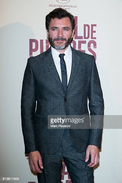 Actor Alex Brendemuhl attends the 'Mal de Pierres' Premiere at Cinema Gaumont Marignan on October 10 2016 in Paris France