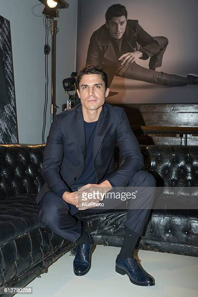 Actor Alex Gonzalez attends the presentation of the new campaign Fall Winter Emidio Tucci in Madrid Spain on October 5 2016