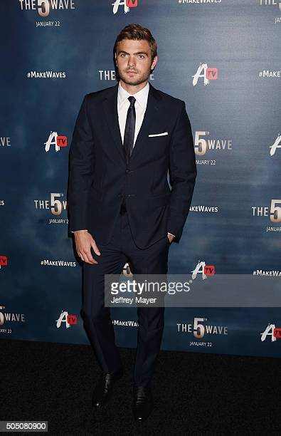 Actor Alex Roe arrives at AwesomenessTV Special Fan Screening Of 'The 5th Wave' at Pacific Theatre at The Grove on January 14 2016 in Los Angeles...