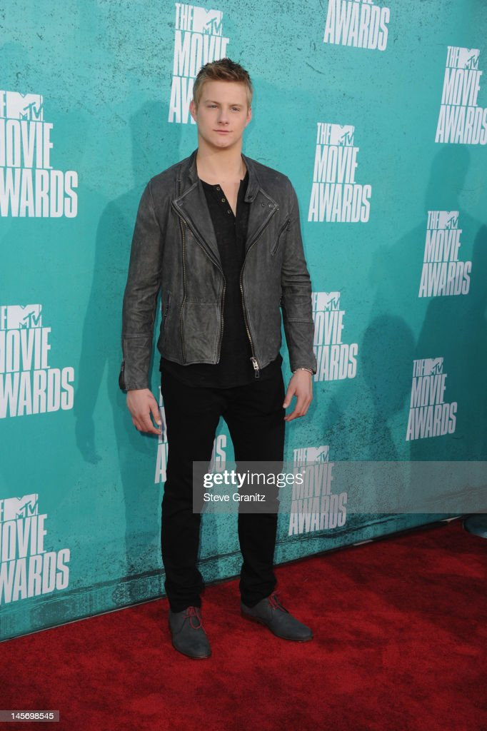 Actor Alexander Ludwig arrives at the 2012 MTV Movie Awards at Gibson Amphitheatre on June 3, 2012 in Universal City, California.