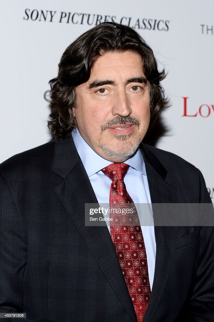Actor <a gi-track='captionPersonalityLinkClicked' href=/galleries/search?phrase=Alfred+Molina&family=editorial&specificpeople=211218 ng-click='$event.stopPropagation()'>Alfred Molina</a> attends the Sony Pictures Classics With The Cinema Society & Grey Goose screening of 'Love Is Strange' at Tribeca Grand Hotel on August 18, 2014 in New York City.