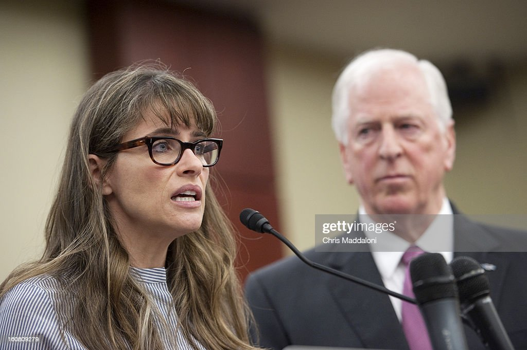 Actor Amanda Peet and Rep. Mike Thompson, D-Calif., speak at a press conference at the U.S. Capitol to call on Congress to act on President Obama's plan to reduce gun violence, including background checks for all gun sales and an assault weapons ban.
