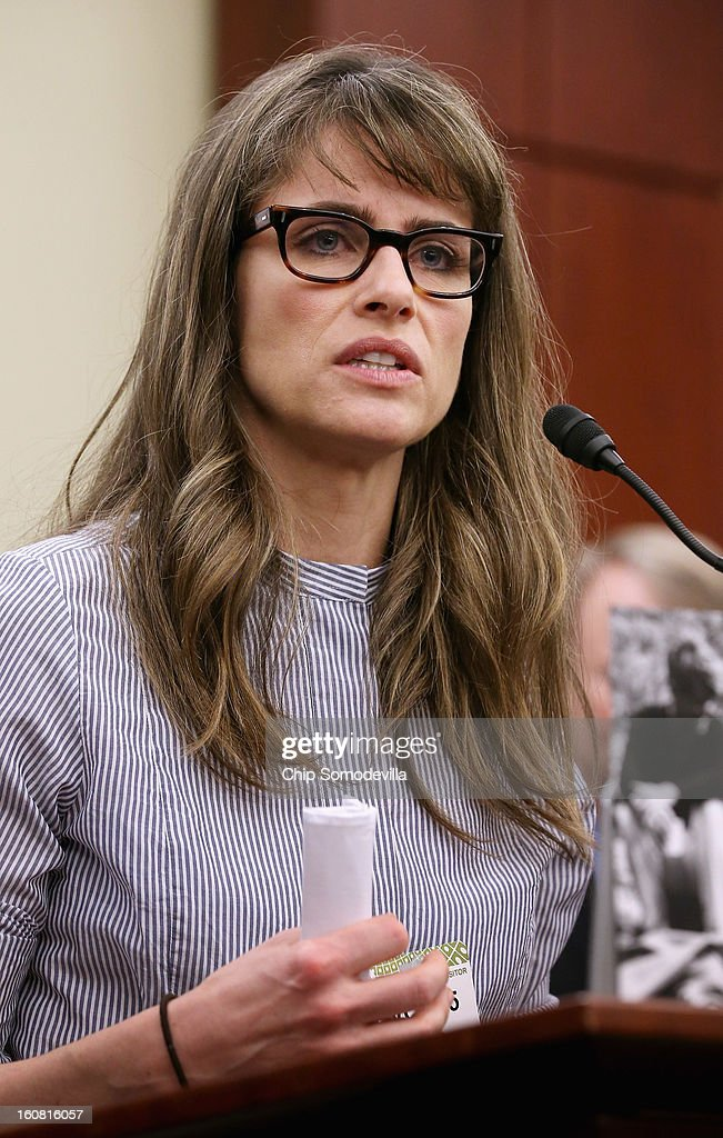 Actor <a gi-track='captionPersonalityLinkClicked' href=/galleries/search?phrase=Amanda+Peet&family=editorial&specificpeople=201910 ng-click='$event.stopPropagation()'>Amanda Peet</a> speaks during a news conference hosted by the Mayors Against Illegal Guns and the Law Center to Prevent Gun Violence at the U.S. Capitol February 6, 2013 in Washington, DC. The artists, activists and politicians called for manditory background check on all gun purchases among other restrictions.