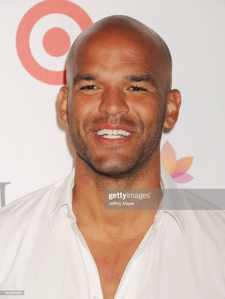 Actor <a gi-track='captionPersonalityLinkClicked' href=/galleries/search?phrase=Amaury+Nolasco&family=editorial&specificpeople=4493818 ng-click='$event.stopPropagation()'>Amaury Nolasco</a> arrives at the Eva Longoria Foundation Dinner at Beso restaurant on September 28, 2013 in Hollywood, California.