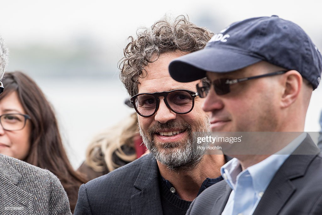 Actor and activist Mark Ruffalo attends New Yorkers For Clean Power Campaign Launch at Solar 1 on May 2, 2016 in New York City.
