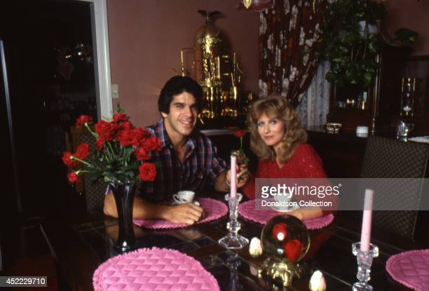Actor and bodybuilder Lou Ferrigno poses for a portrait session with his wife Carla Green in circa 1980 in Los Angeles California