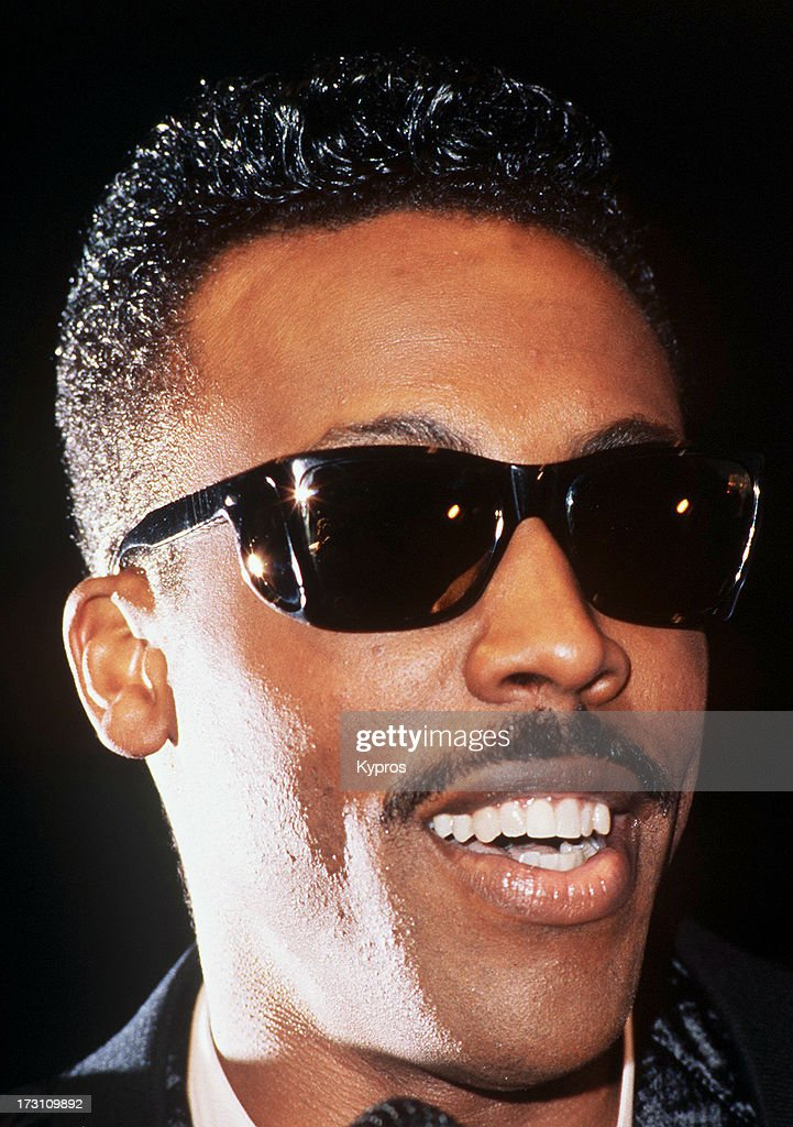 Actor and comedian <a gi-track='captionPersonalityLinkClicked' href=/galleries/search?phrase=Arsenio+Hall&family=editorial&specificpeople=211441 ng-click='$event.stopPropagation()'>Arsenio Hall</a>, circa 1992.