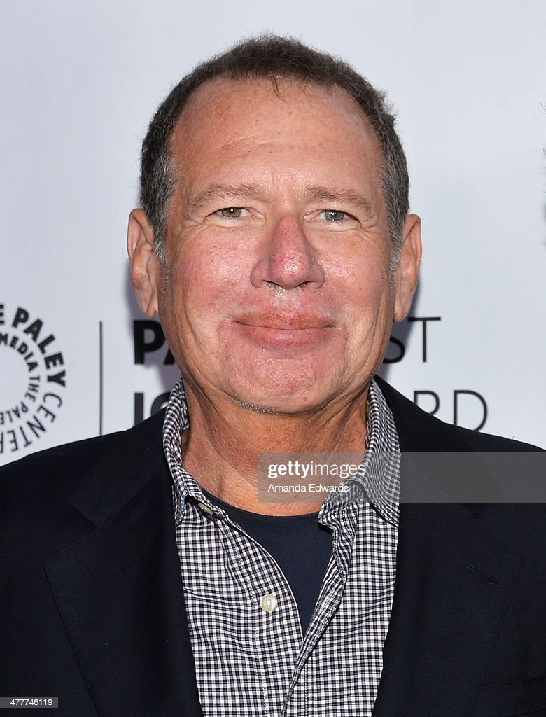 Actor and comedian <a gi-track='captionPersonalityLinkClicked' href=/galleries/search?phrase=Garry+Shandling&family=editorial&specificpeople=220833 ng-click='$event.stopPropagation()'>Garry Shandling</a> arrives at the 2014 Paleyfest Icon Award ceremony honoring Judd Apatow at The Paley Center for Media on March 10, 2014 in Beverly Hills, California.