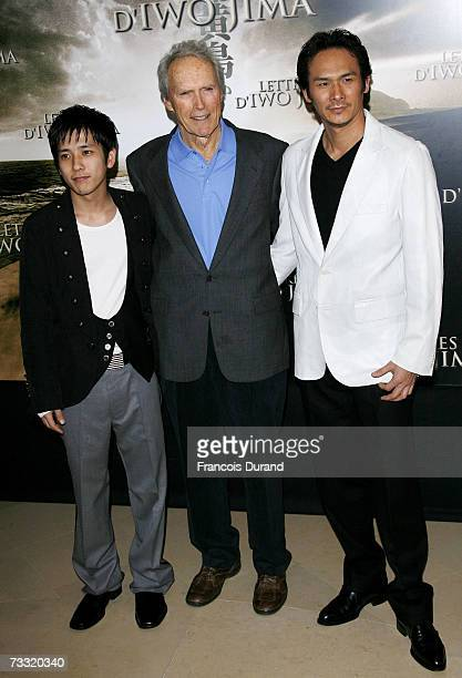 US actor and director Clint Eastwood poses with Japanese actors Tsuyoshi Ihara and Kazunari Ninomiya during the photocall for the movie 'Letters From...