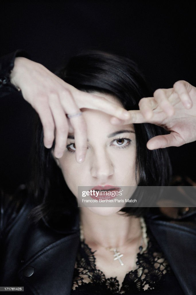 Asia Argento, Paris Match, Issue 3345