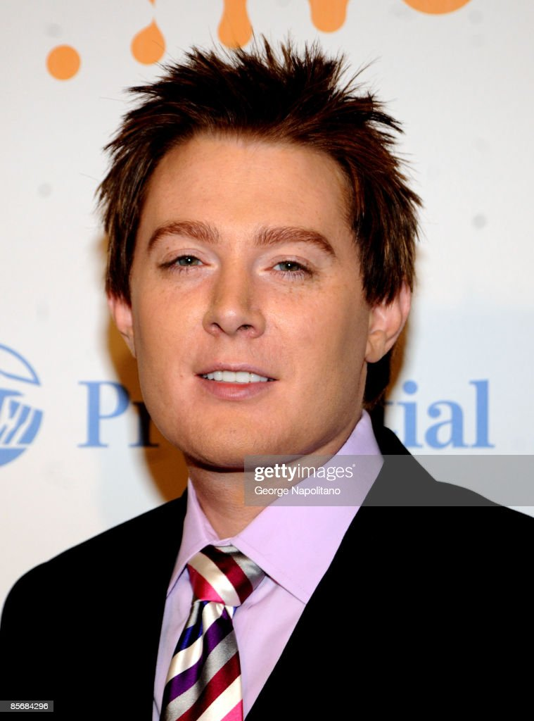 Actor and singer Clay Aiken arrives at the 20th Annual GLAAD Media Awards at the Marriott Marquis on March 28, 2009 in New York City.