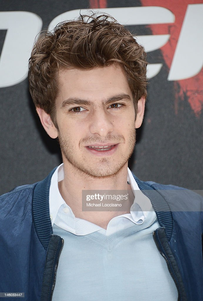 Actor <a gi-track='captionPersonalityLinkClicked' href=/galleries/search?phrase=Andrew+Garfield&family=editorial&specificpeople=4047840 ng-click='$event.stopPropagation()'>Andrew Garfield</a> attends the 'The Amazing Spider-Man' New York City Photo Call at Crosby Street Hotel on June 9, 2012 in New York City.