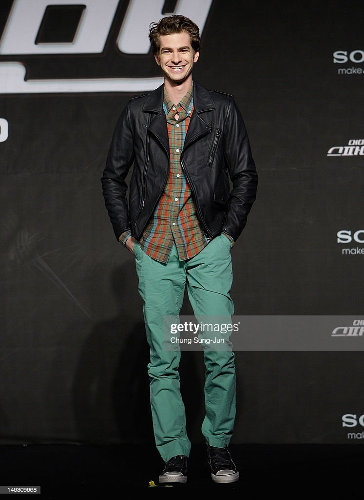 Actor <a gi-track='captionPersonalityLinkClicked' href=/galleries/search?phrase=Andrew+Garfield&family=editorial&specificpeople=4047840 ng-click='$event.stopPropagation()'>Andrew Garfield</a> attends the 'The Amazing Spider-Man' Press Conference on June 14, 2012 in Seoul, South Korea. The film will open on June 28 in South Korea.