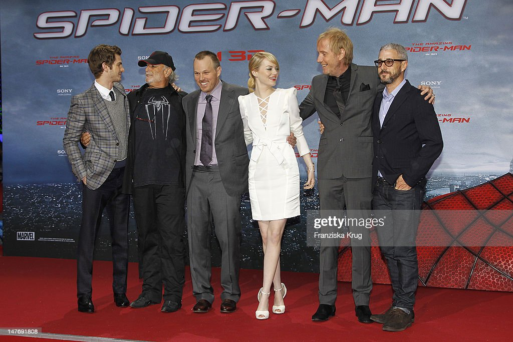 Actor <a gi-track='captionPersonalityLinkClicked' href=/galleries/search?phrase=Andrew+Garfield&family=editorial&specificpeople=4047840 ng-click='$event.stopPropagation()'>Andrew Garfield</a>, Avi Aard, <a gi-track='captionPersonalityLinkClicked' href=/galleries/search?phrase=Marc+Webb&family=editorial&specificpeople=637083 ng-click='$event.stopPropagation()'>Marc Webb</a>, <a gi-track='captionPersonalityLinkClicked' href=/galleries/search?phrase=Emma+Stone&family=editorial&specificpeople=672023 ng-click='$event.stopPropagation()'>Emma Stone</a>, Rhys Ilfans and Matthew Tolmach attend the Germany premiere of ''The Amazing Spider-Man'' at Sony Center on June 20, 2012 in Berlin, Germany. (Photo by Franziska Krug/Getty Images for Sony Pictures)'
