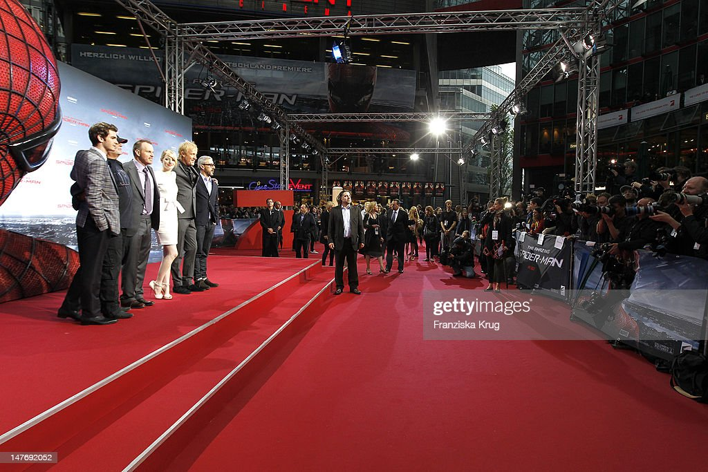 'BERLIN, GERMANY - JUNE 20: (From L to R) Actor <a gi-track='captionPersonalityLinkClicked' href=/galleries/search?phrase=Andrew+Garfield&family=editorial&specificpeople=4047840 ng-click='$event.stopPropagation()'>Andrew Garfield</a>, Avi Aard, <a gi-track='captionPersonalityLinkClicked' href=/galleries/search?phrase=Marc+Webb&family=editorial&specificpeople=637083 ng-click='$event.stopPropagation()'>Marc Webb</a>, <a gi-track='captionPersonalityLinkClicked' href=/galleries/search?phrase=Emma+Stone&family=editorial&specificpeople=672023 ng-click='$event.stopPropagation()'>Emma Stone</a>, Rhys Ilfans and Matthew Tolmach attend the Germany premiere of ''The Amazing Spider-Man'' at Sony Center on June 20, 2012 in Berlin, Germany. (Photo by Franziska Krug/Getty Images for Sony Pictures) '