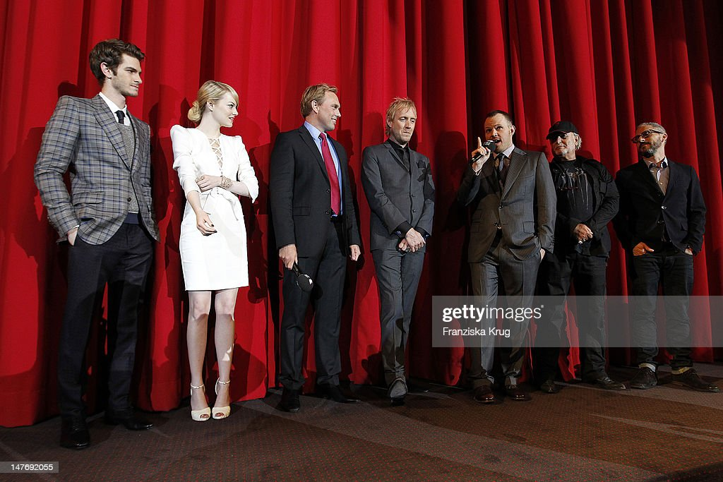 'BERLIN, GERMANY - JUNE 20: (From L to R) Actor <a gi-track='captionPersonalityLinkClicked' href=/galleries/search?phrase=Andrew+Garfield&family=editorial&specificpeople=4047840 ng-click='$event.stopPropagation()'>Andrew Garfield</a>, , <a gi-track='captionPersonalityLinkClicked' href=/galleries/search?phrase=Emma+Stone&family=editorial&specificpeople=672023 ng-click='$event.stopPropagation()'>Emma Stone</a>, <a gi-track='captionPersonalityLinkClicked' href=/galleries/search?phrase=Steven+Gaetjen&family=editorial&specificpeople=5284996 ng-click='$event.stopPropagation()'>Steven Gaetjen</a>,Rhys Ilfans, <a gi-track='captionPersonalityLinkClicked' href=/galleries/search?phrase=Marc+Webb&family=editorial&specificpeople=637083 ng-click='$event.stopPropagation()'>Marc Webb</a>, Avi Aard, Matthew Tolmach attend the Germany premiere of ''The Amazing Spider-Man'' at Sony Center on June 20, 2012 in Berlin, Germany. '
