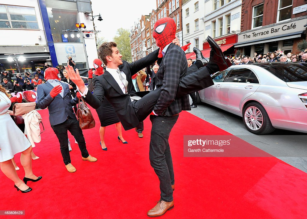 Actor <a gi-track='captionPersonalityLinkClicked' href=/galleries/search?phrase=Andrew+Garfield&family=editorial&specificpeople=4047840 ng-click='$event.stopPropagation()'>Andrew Garfield</a> is picked up as he attends 'The Amazing Spider-Man 2' world premiere at the Odeon Leicester Square on April 10, 2014 in London, England.