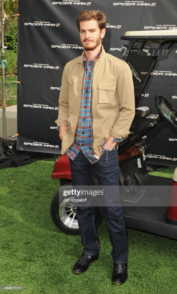 Actor <a gi-track='captionPersonalityLinkClicked' href=/galleries/search?phrase=Andrew+Garfield&family=editorial&specificpeople=4047840 ng-click='$event.stopPropagation()'>Andrew Garfield</a> poses at 'The Amazing Spiderman 2' - Los Angeles Photo Call at Sony Pictures Studios on November 16, 2013 in Culver City, California.