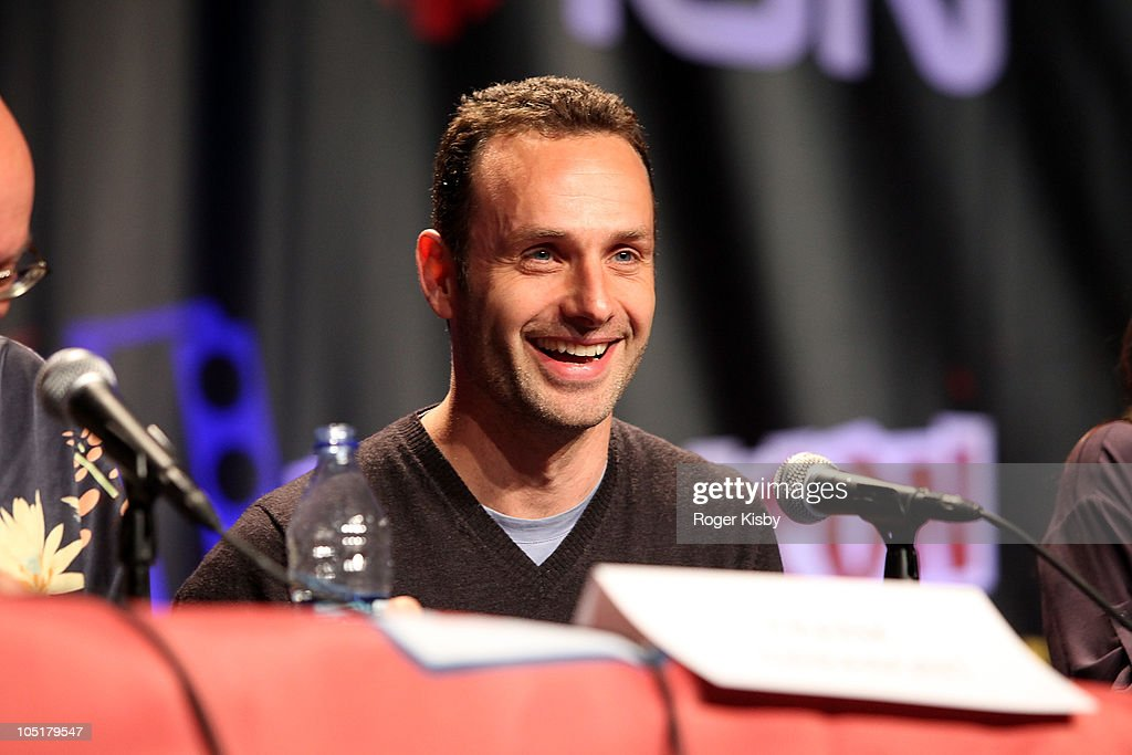 Actor <a gi-track='captionPersonalityLinkClicked' href=/galleries/search?phrase=Andrew+Lincoln&family=editorial&specificpeople=216410 ng-click='$event.stopPropagation()'>Andrew Lincoln</a> attends The Walking Dead panel at the 2010 New York Comic Con at the Jacob Javitz Center on October 10, 2010 in New York City.