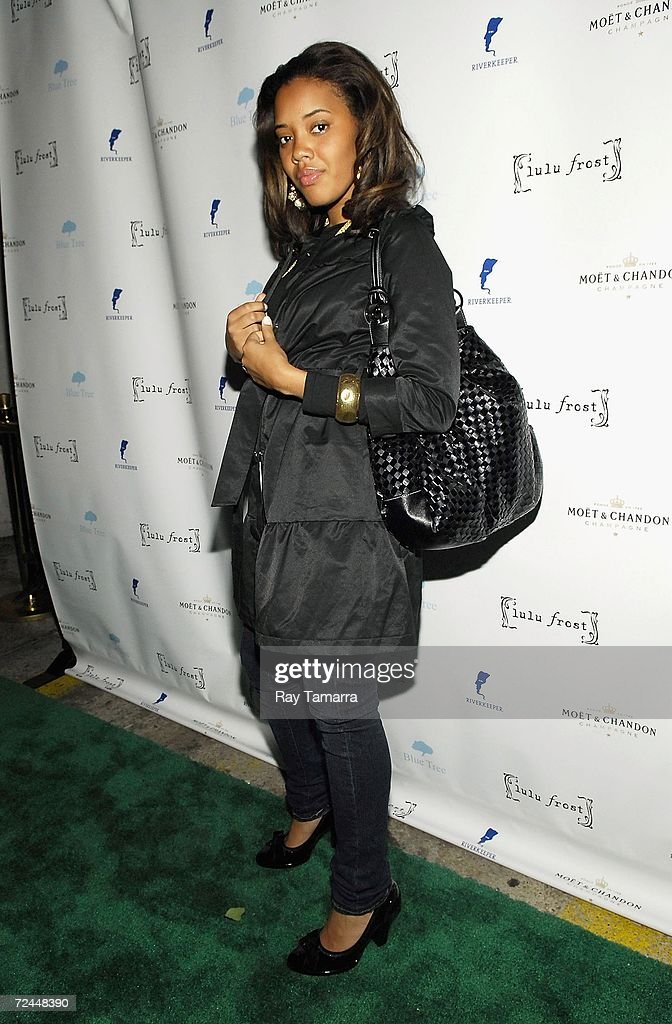 Actor Angela Simmons attends the Lulu Frost Green Party at Tenjune on November 07, 2006 in New York City.