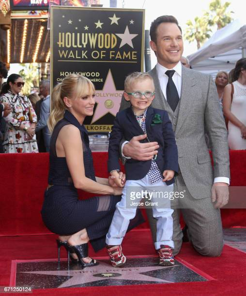 Actor Anna Faris Jack Pratt and actor Chris Pratt at the Chris Pratt Walk Of Fame Star Ceremony on April 21 2017 in Hollywood California