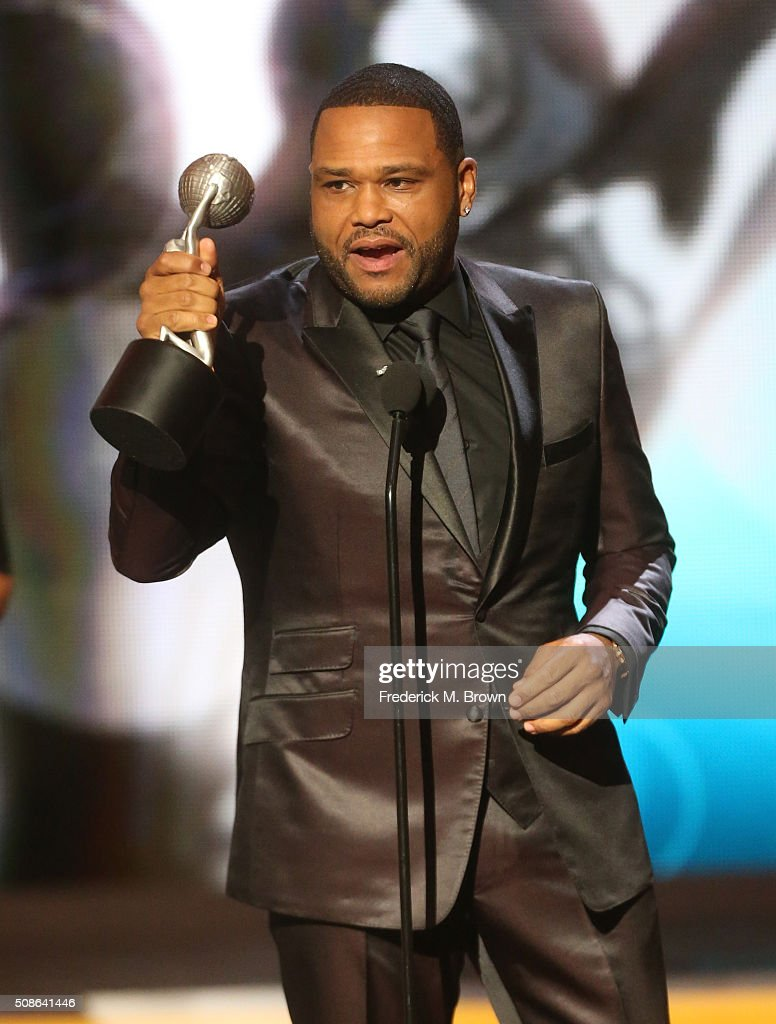 Actor <a gi-track='captionPersonalityLinkClicked' href=/galleries/search?phrase=Anthony+Anderson&family=editorial&specificpeople=202577 ng-click='$event.stopPropagation()'>Anthony Anderson</a> accepts award for Outstanding Actor In A Comedy Series for 'black-ish' onstage during the 47th NAACP Image Awards presented by TV One at Pasadena Civic Auditorium on February 5, 2016 in Pasadena, California.