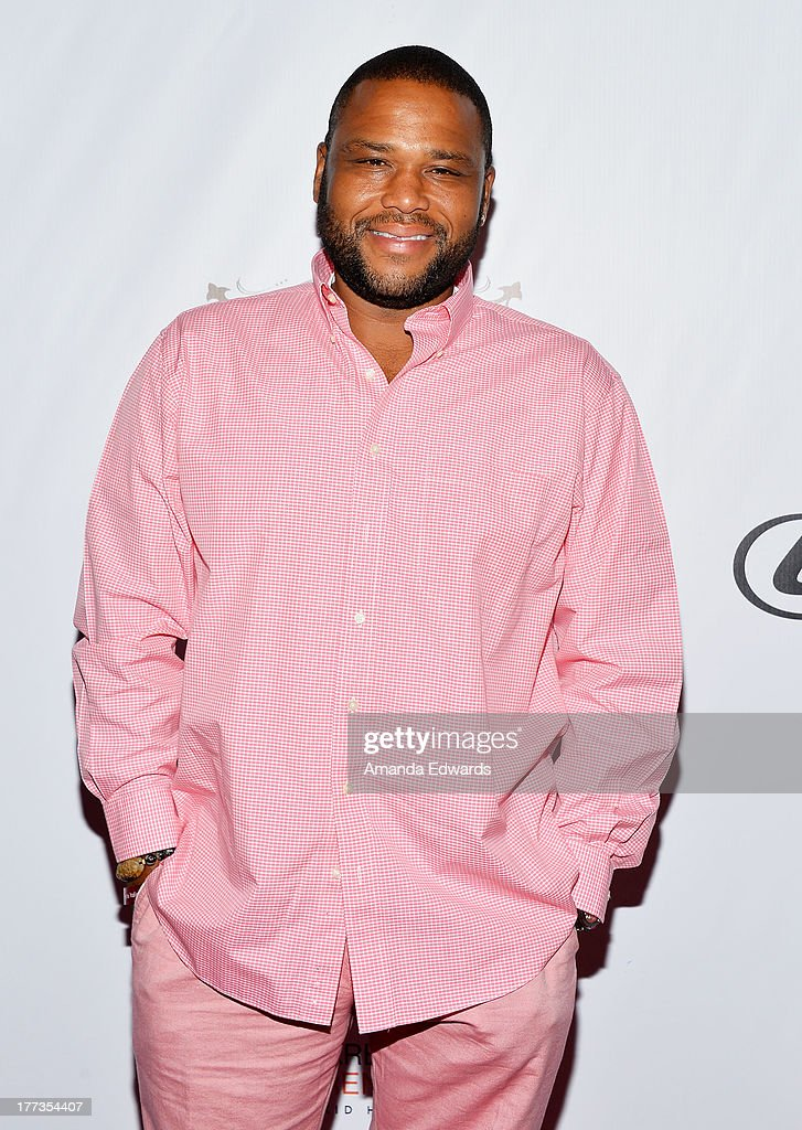 Actor Anthony Anderson arrives at the opening night of the 2013 Los Angeles Food & Wine Festival - 'Festa Italiana With Giada De Laurentiis' on August 22, 2013 in Los Angeles, California.
