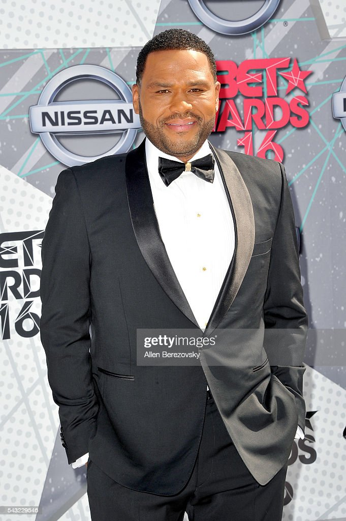 Actor <a gi-track='captionPersonalityLinkClicked' href=/galleries/search?phrase=Anthony+Anderson&family=editorial&specificpeople=202577 ng-click='$event.stopPropagation()'>Anthony Anderson</a> attends the 2016 BET Awards at Microsoft Theater on June 26, 2016 in Los Angeles, California.
