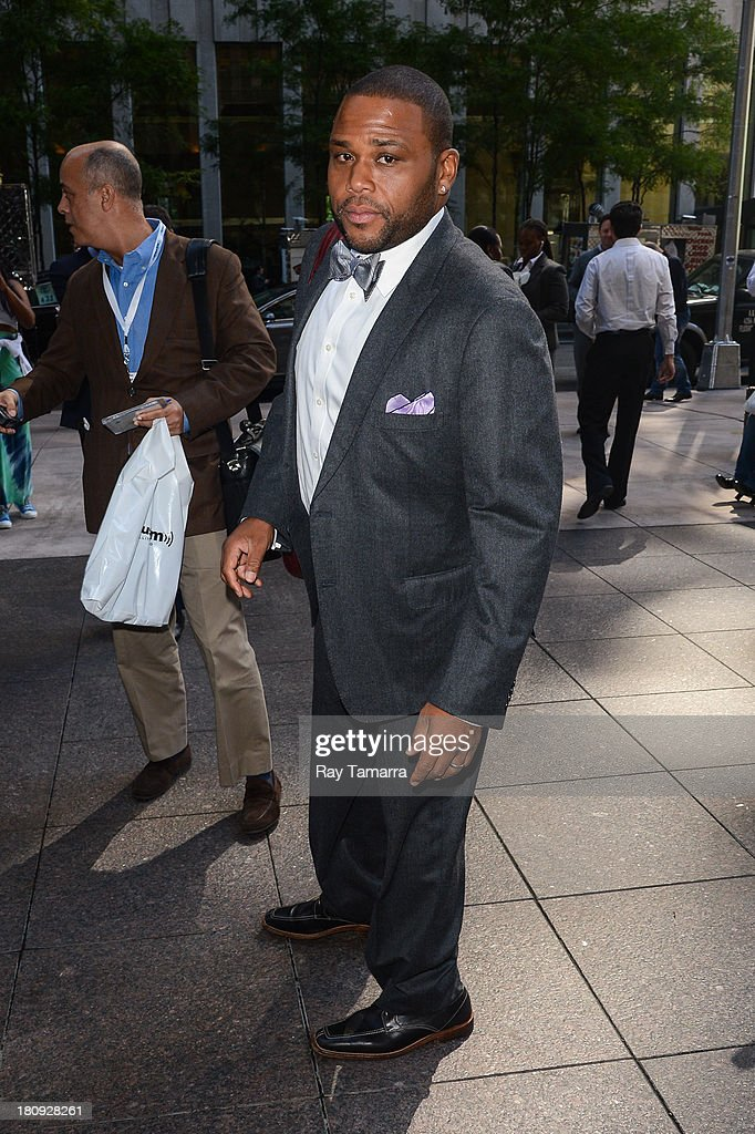 Actor <a gi-track='captionPersonalityLinkClicked' href=/galleries/search?phrase=Anthony+Anderson&family=editorial&specificpeople=202577 ng-click='$event.stopPropagation()'>Anthony Anderson</a> leaves the Sirius XM Studios on September 17, 2013 in New York City.