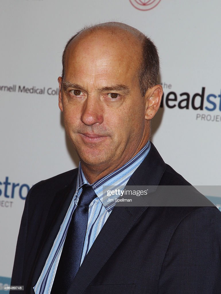 Actor Anthony Edwards attends The Headstrong Project 'Words Of War' Benefit at Tribeca 360 - actor-anthony-edwards-attends-the-headstrong-project-words-of-war-at-picture-id456489748