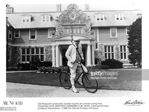Actor Anthony Edwards on the set of the Samuel Goldwyn movie ' Mr North' in 1988