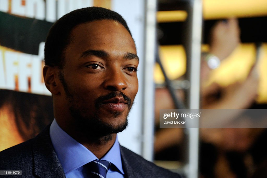 Actor <a gi-track='captionPersonalityLinkClicked' href=/galleries/search?phrase=Anthony+Mackie&family=editorial&specificpeople=206212 ng-click='$event.stopPropagation()'>Anthony Mackie</a> arrives at the world premiere of Twentieth Century Fox and New Regency's film 'Runner Runner' at Planet Hollywood Resort & Casino on September 18, 2013 in Las Vegas, Nevada.