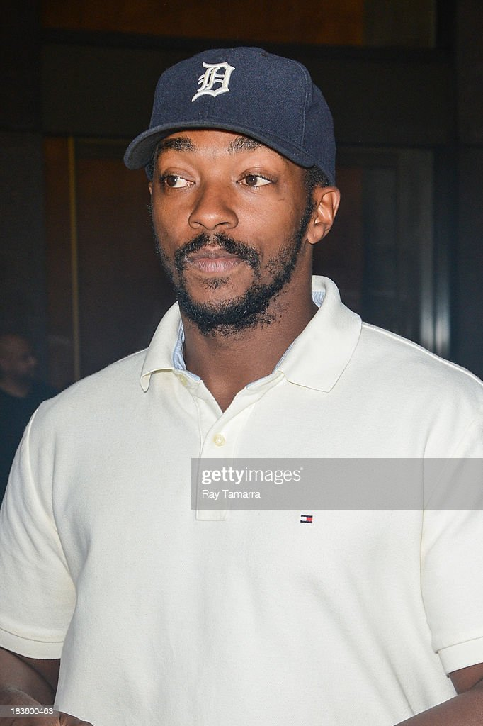 Actor <a gi-track='captionPersonalityLinkClicked' href=/galleries/search?phrase=Anthony+Mackie&family=editorial&specificpeople=206212 ng-click='$event.stopPropagation()'>Anthony Mackie</a> leaves the Sirius XM Studios on October 7, 2013 in New York City.