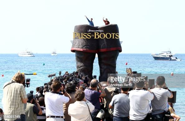 Actor Antonio Banderas and actress Salma Hayek attend the 'Puss In Boots' Photocall at Carlton Beach during the 64th Cannes Film Festival on May 11...
