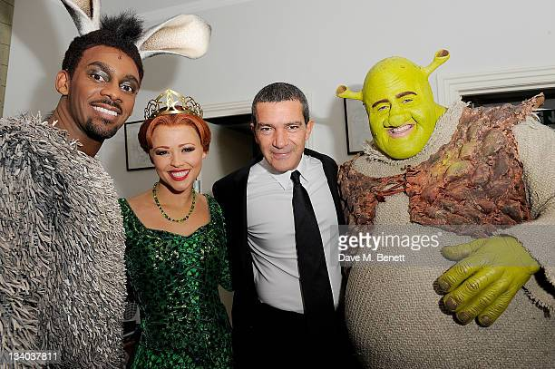 Actor Antonio Banderas poses with the cast members Richard Blackwood Kimberley Walsh and Nigel Lindsay of 'Shrek The Musical' at a photocall to...