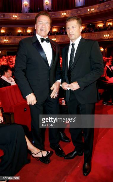 US actor Arnold Schwarzenegger and German actor Til Schweiger during the GQ Men of the year Award 2017 show at Komische Oper on November 9 2017 in...