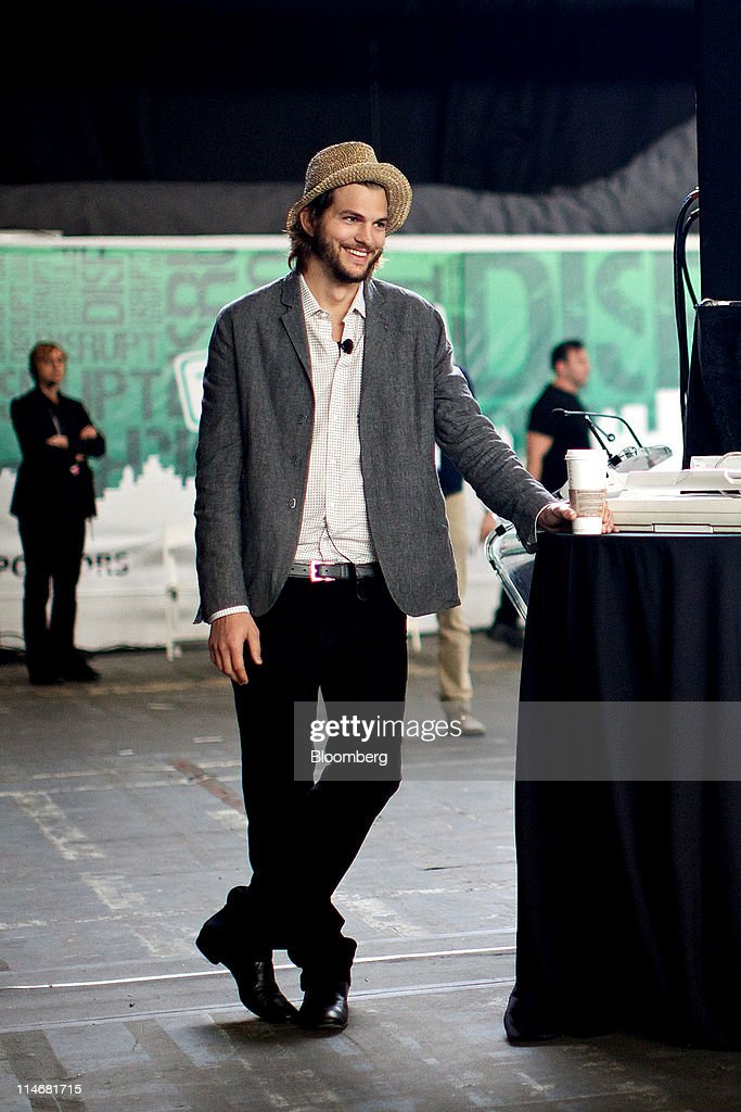 Actor Ashton Kutcher arrives for an interview at the TechCrunch Disrupt NYC 2011 conference in New York, U.S., on Tuesday, May 24, 2011. The summit brings together leaders from various tech fields to discuss how the internet is disrupting industry after industry, from media and social commerce to payments and transportation. Photographer: Guy Calaf/Bloomberg via Getty Images