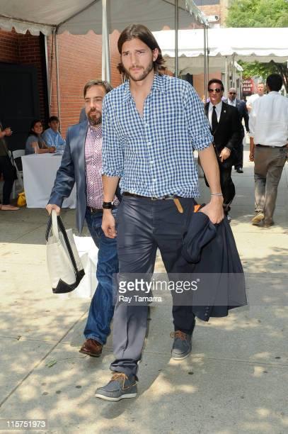 Actor Ashton Kutcher enters the Skylight Studios on June 9 2011 in New York City